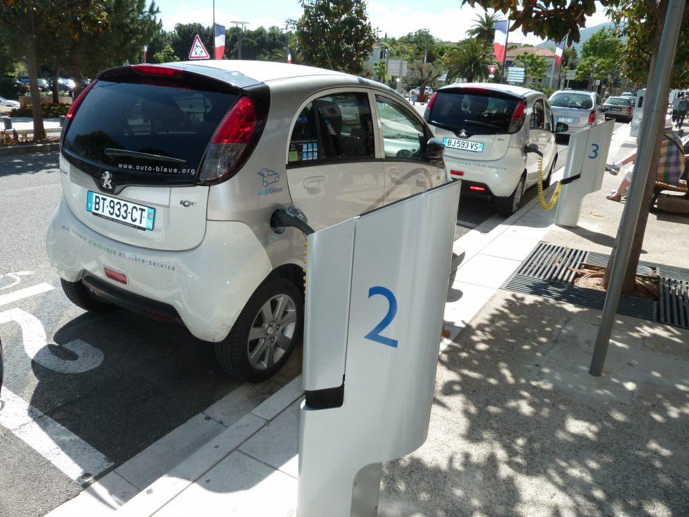 Les Autos bleues en libre partage