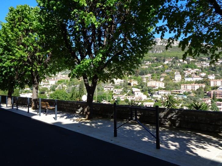 Boulevard Paul André réhabilité et remparts métamorphosés
