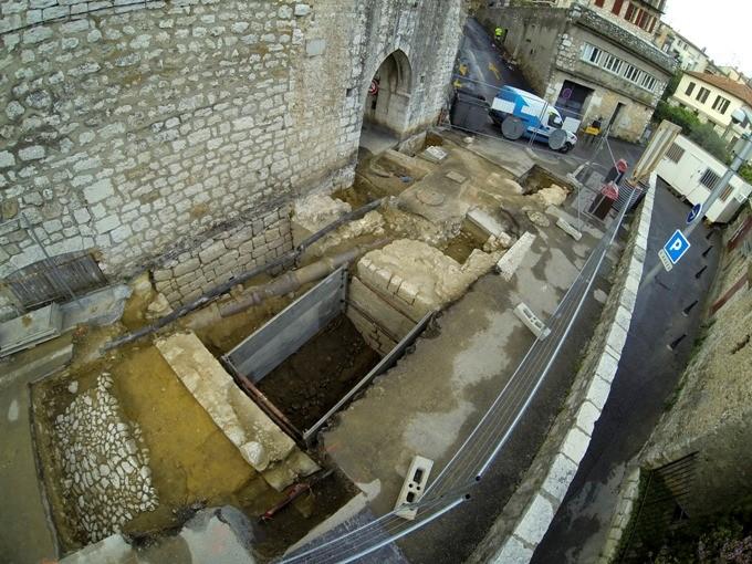 La fouille archéologique préventive du Portail-Levis