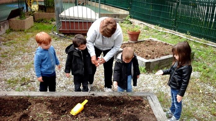 Jardinage à la crèche Véga
